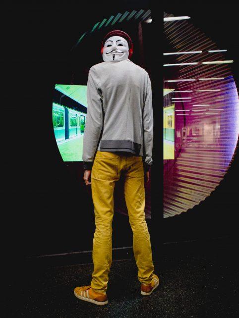 anon_mask-1-von-1